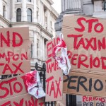 1428027678-downing-street-protesters-call-on-government-to-end-the-tampon-tax_7269965